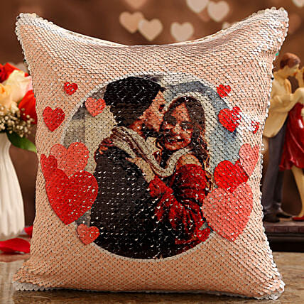 online vday theme personalised cushion:Send Hug Day Personalised Gifts