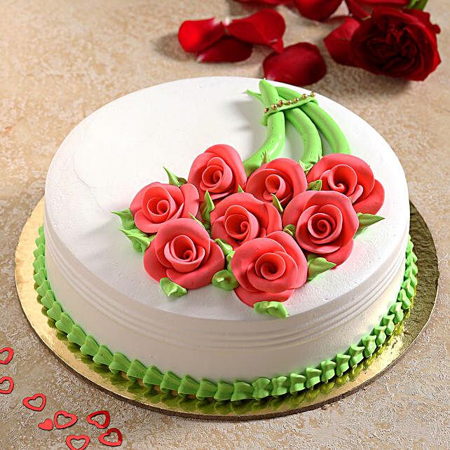 Gracious Roses Fondant Pineapple Cake:New Arrival Cakes