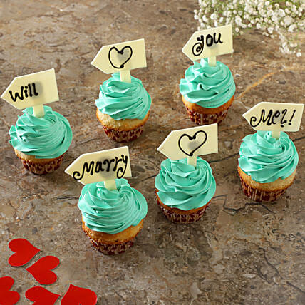 Propose With Vanilla Cream Cup Cakes:Buy Cupcakes
