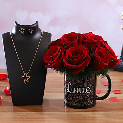 Red Roses In Love Mug Pretty Necklace Set