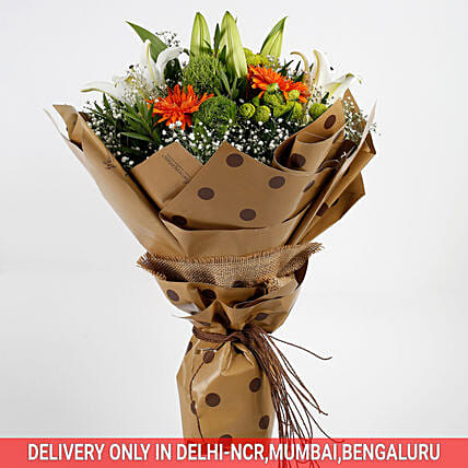 elegant flower with lovely lilies bouquet:Premium Gifts for Anniversary
