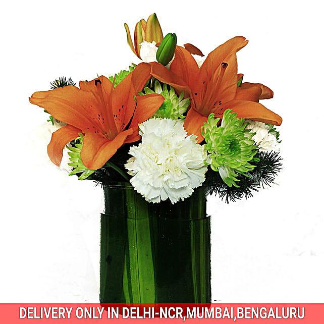 Flowers In Glass Vase Online:Chrysanthemum Flower