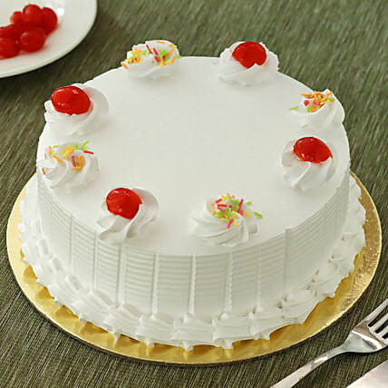 Vanilla Cakes Half kg Eggless:Send Birthday Cakes to Raipur