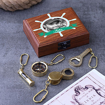 Set Of 4 Keychain With Personalised Wooden Box:Personalised Antique gifts