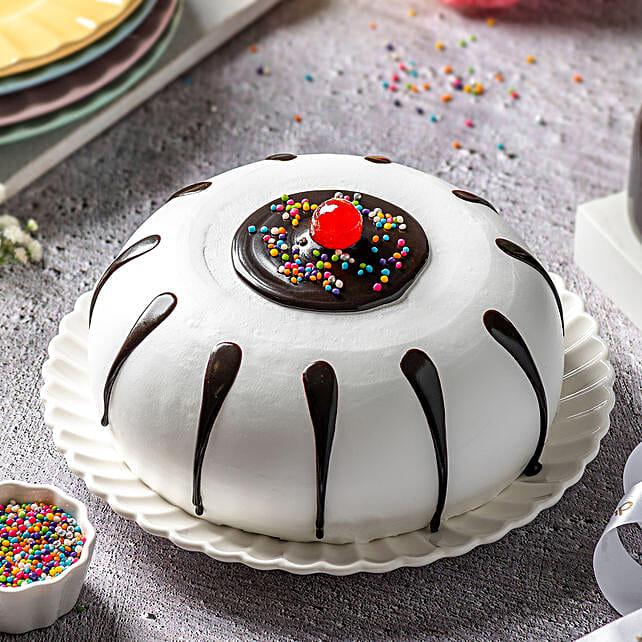 Black Forest Designer Cake:Birthday Cakes for Kids