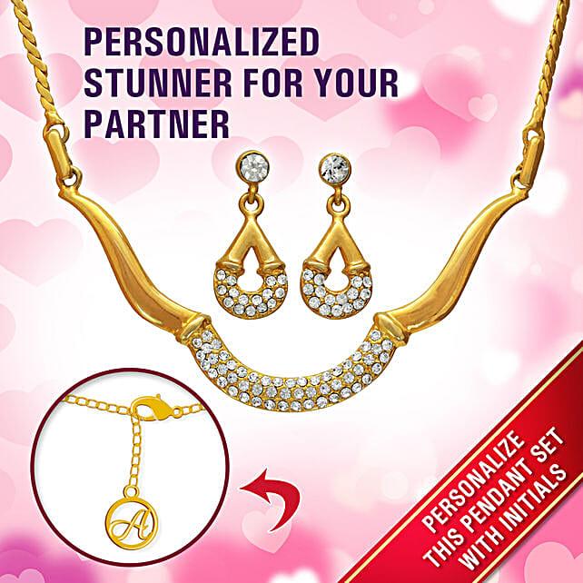 Personalised Alluring Gold Pendant Set