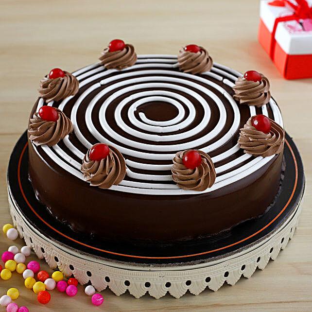 Luscious Chocolate Cake:Eggless Cakes