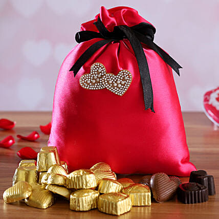 valentine chocolates in potli:Send Handmade Chocolates