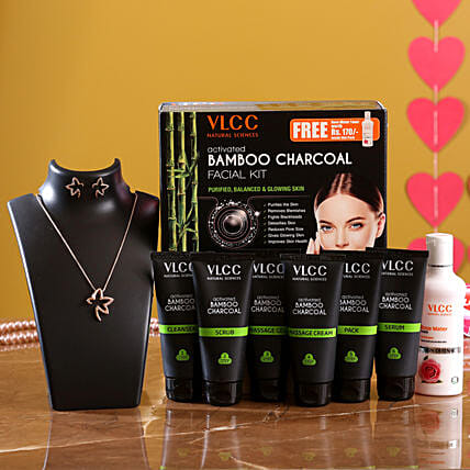 VLCC Bamboo Charcoal Kit And Pretty Necklace
