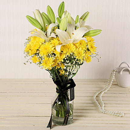 Online Daisies Glass Vase:New Arrival Flowers