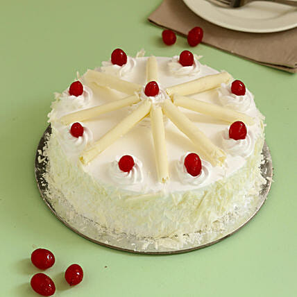 Online Whitet Forest Cherry Cake:White Forest Cakes