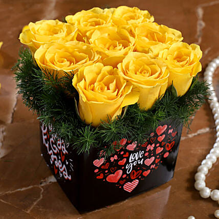 yellow rose arrangement for valentine:Yellow Roses