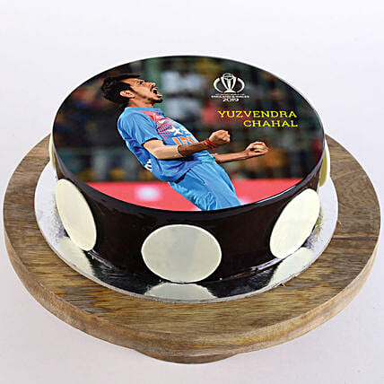 customised cake for him:Cricket World Cup Gifts