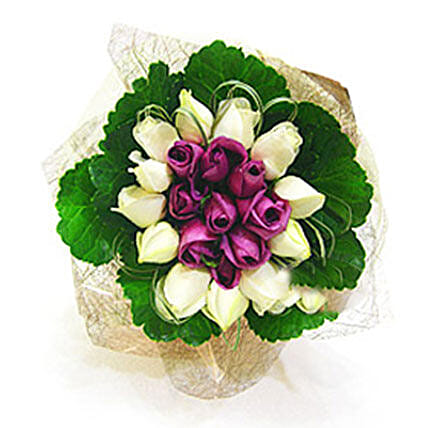 Floral Charm Redefined:Sympathy Flowers to Malaysia