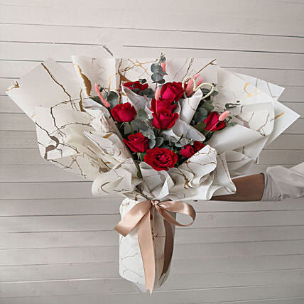 Pretty Roses For Love Bouquet