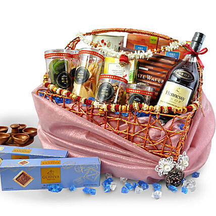 Delicious Diwali Gift Hamper:Gift Baskets to Malaysia