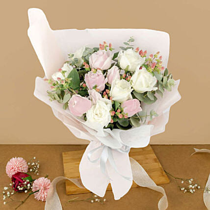 Charming Cream And Pink Roses Bouquet