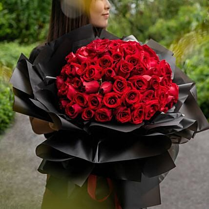 Heavenly Red Roses Beautifully Ties Bouquet:Flower Delivery in Malaysia