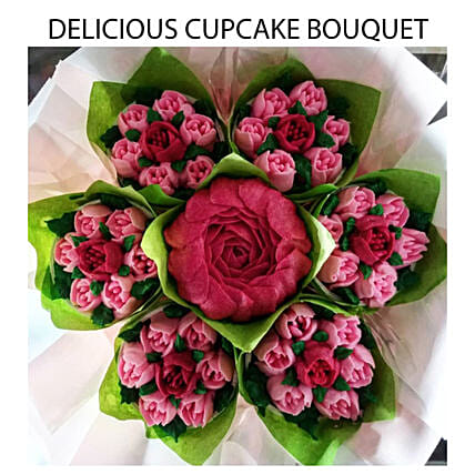 Rose Shaped Vanilla And Cupcakes Bouquet