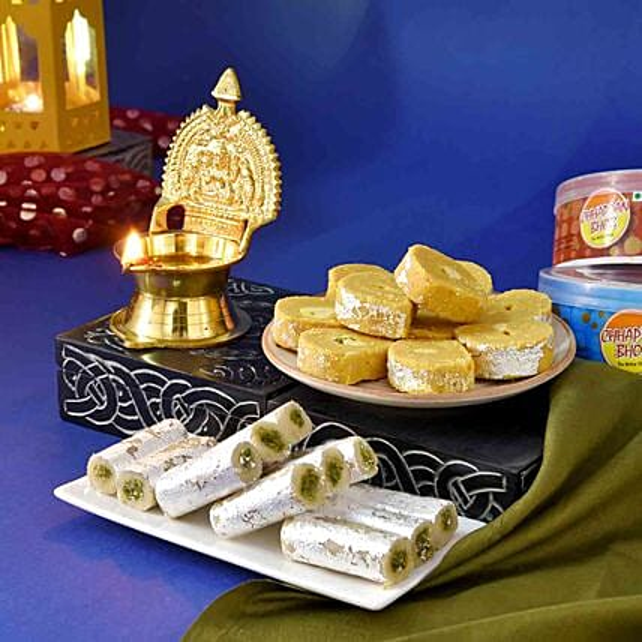 Premium Kamakshi Deep And Sweets Hamper