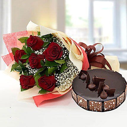 Elegant Rose Bouquet With Chocolate Fudge Cake OM:Cake Delivery in Oman