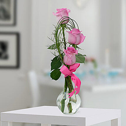 Pleasant Rose Arrangement OM