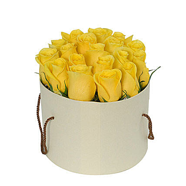 Captivating Yellow Rose Arrangement OM