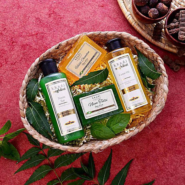 cosmetics-n-spa-hampers:Send Bhai Dooj Gifts to Oman