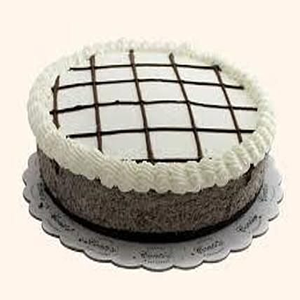 Enticing Cookies And Cream Cheesecake