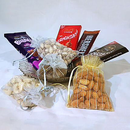 Assorted Chocolates & Dry Fruits Hamper