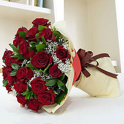Lovely Roses Bouquet:Birthday Flower Delivery in Qatar