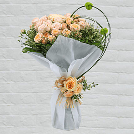 peach roses bouquet for birthday:Roses Delivery in Qatar