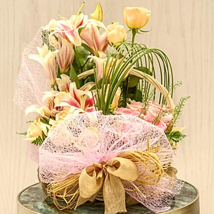 Roses And Lilies Arrangement:Lilies  Delivery in Qatar
