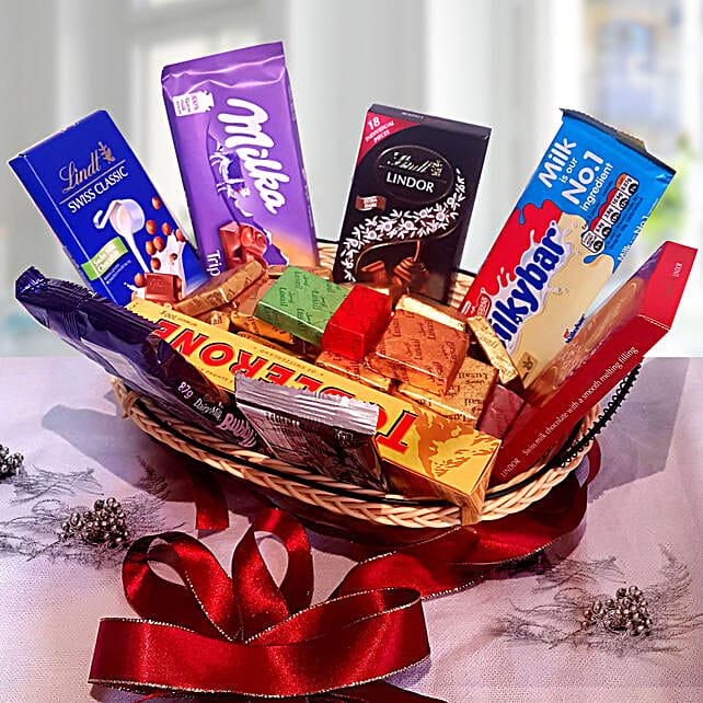 Festive Grand Gift Hamper:Gift Basket Delivery in Qatar