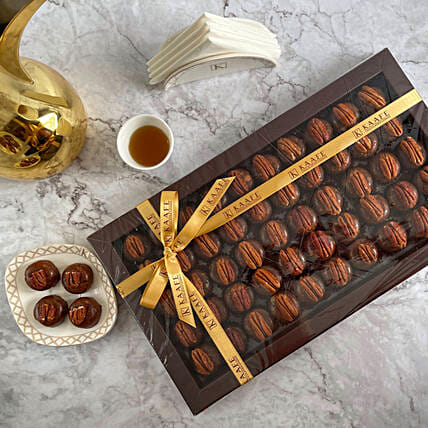 Box of Pecan Dates:Eid Gift Delivery in Qatar