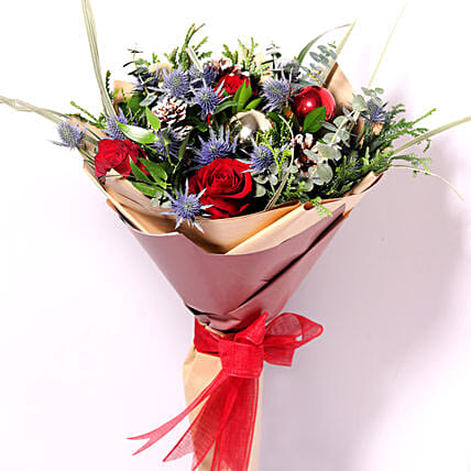 Xmas Decorations Flower Bouquet:Flower Delivery in Qatar