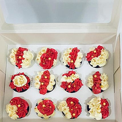 Yummy Flowery Cup Cakes