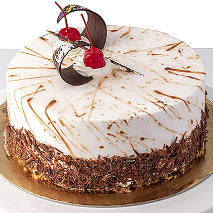 4 Portions Black Forest Cake:Send Anniversary Gifts To Saudi Arabia
