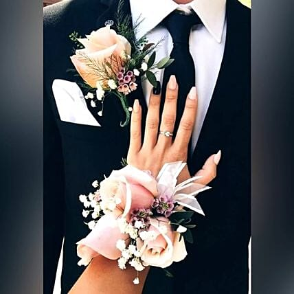Chic boutonniere and Corsage Set