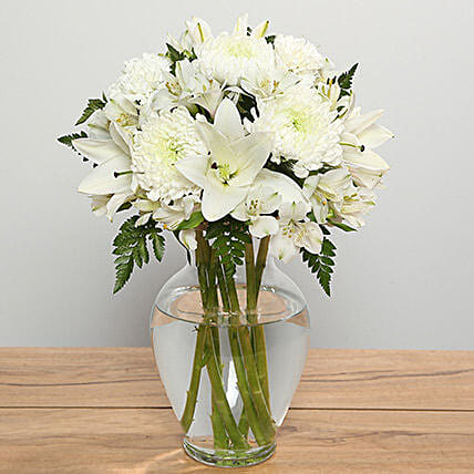 Mix White Flowers In Vase:Lilies to Saudi Arabia