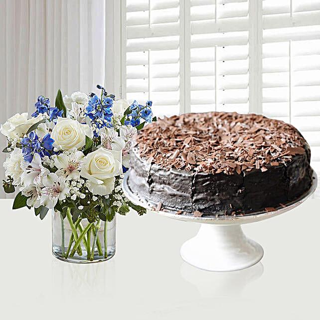 Chocolate Fudge Cake & Pretty Flower Vase
