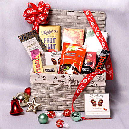 Delicious Basket Hamper:Gift Baskets to Singapore