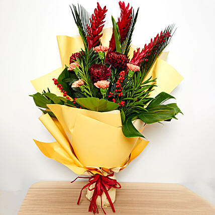 Delightful Flower Bouquet:Send New Year Gifts to Singapore
