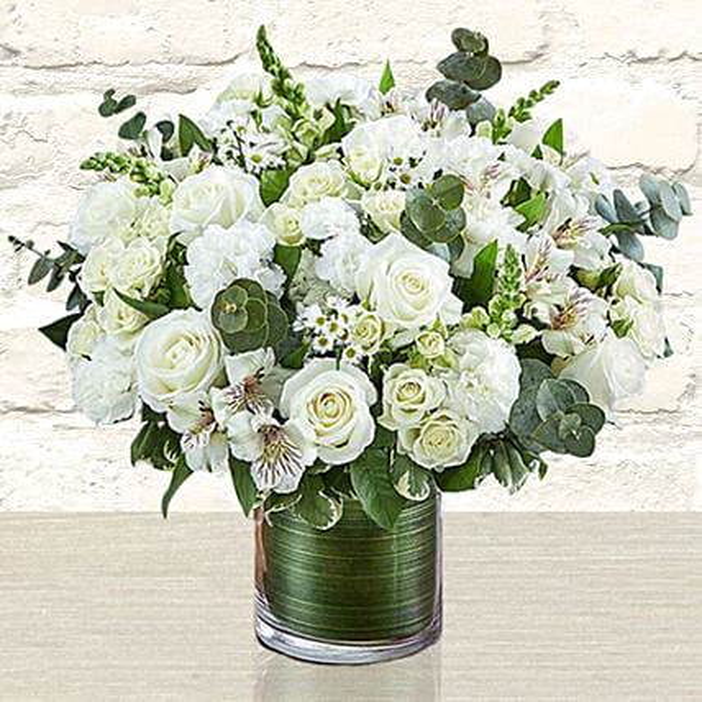 Glamorous White Flowers Vase