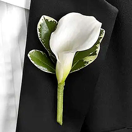 Graceful Calla Lily boutonniere