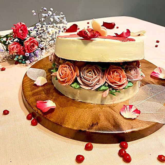 Lovely Rose Box Cake