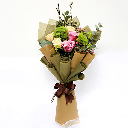 Mixed Roses and Green Trick Flower Bouquet