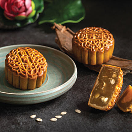 Set Of Egg Yolk Blend and Melon Seed Mooncakes:Mooncake Delivery in Singapore