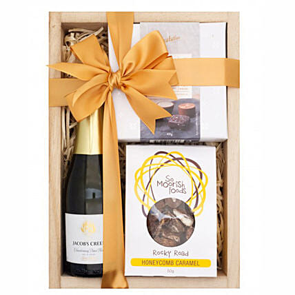 Sparkling Chardonnay Gift Hamper:New Year Gifts to Singapore