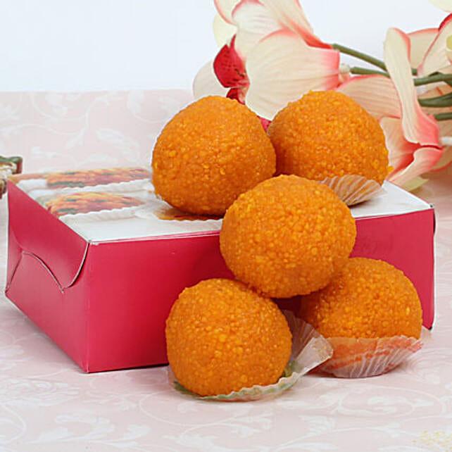 Moti Choor Laddoo:Send Sweets to Singapore